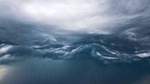 mare tempesta nubi