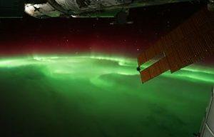 aurora-boreale-dallo-spazio