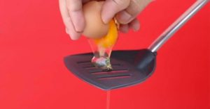uovo spatola cucina video
